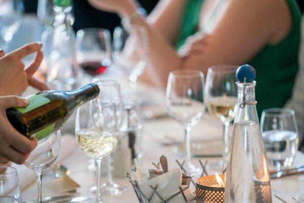 Koľko alkoholu treba na svadbe?