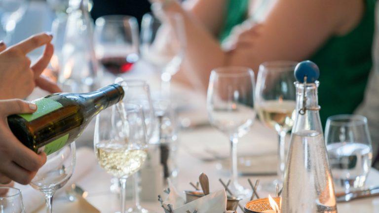 alkohol na svadbe